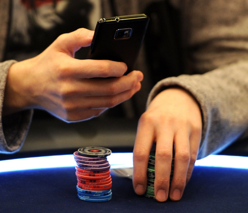 phones in casinos